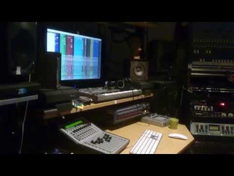 """Mixing BOB WIJNEN's """"NYC Unforeseen"""" at House of Cha Cha"""